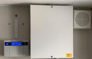 Wired burglar alarm system_SatFocus
